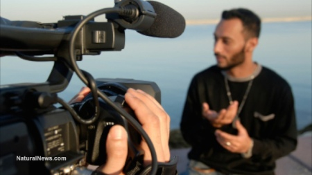 Video-Camera-Reporting-Interview-Media